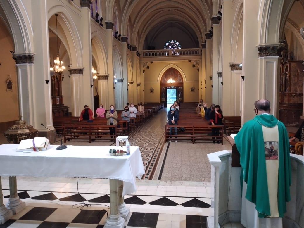 Desde el fin de semana, ya se celebran misas en Lobos.
